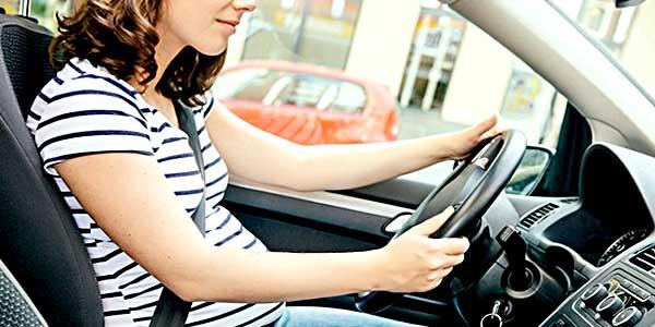 Можно ли водить машину во время беременности