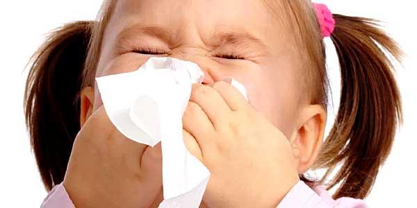 как лечить насморк ребенку