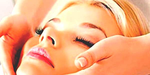 Косметический массаж лица фото