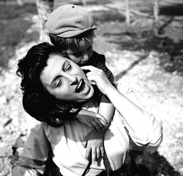 Анна Маньяни с сыном